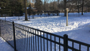 Winter Fence Installer