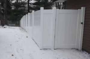 6' Vinyl Fence Installer